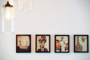 Obrazy správne dotvoria váš interiér