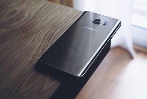 Náhradné diely pre mobily Samsung sú cenovo dostupné pre každého