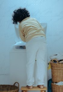 Nevonia vám prádlo? Možno je problém v práčke